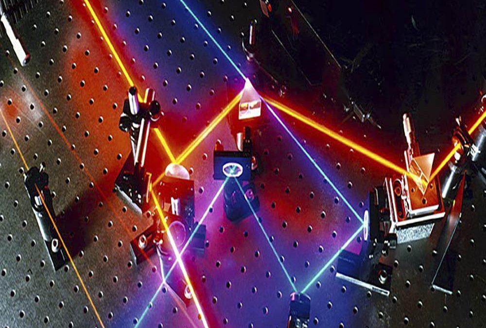زمینه ای از فیزیک لیزر و خواص آن